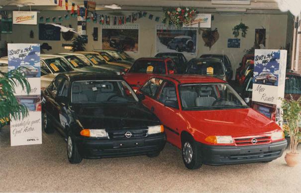 Nét uitgekomen Opel Astra's.